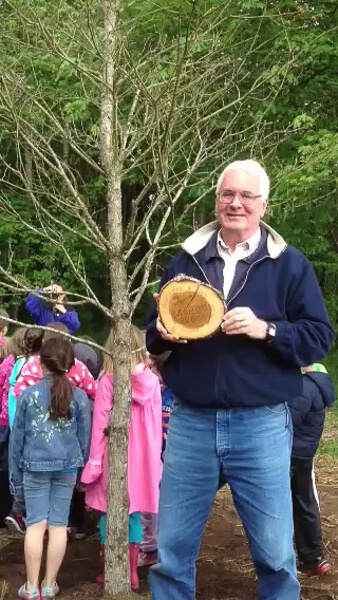 Rick Brownell, Mahonia Nursery manager accepts plaque